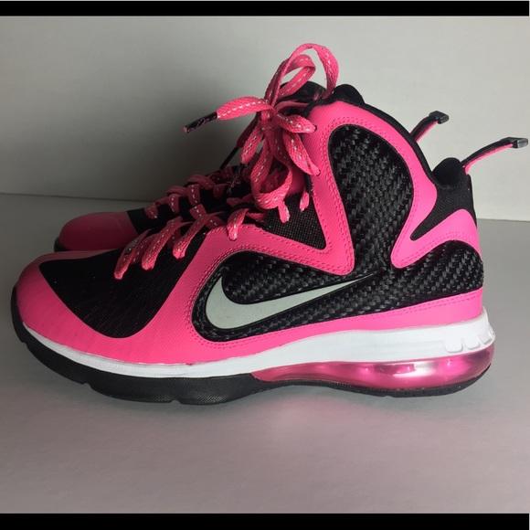 sale retailer 15785 3b8c5 Nike LeBron James Pink Black Sneaker. M 5a99a0a56bf5a69ae0b4f445